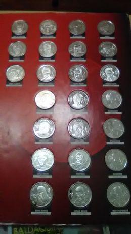 2 Colecções do Benfica + oferta de relógio do SLB