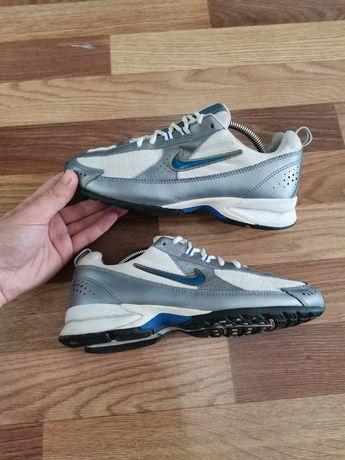 Кроссовки Nike Downdraft.