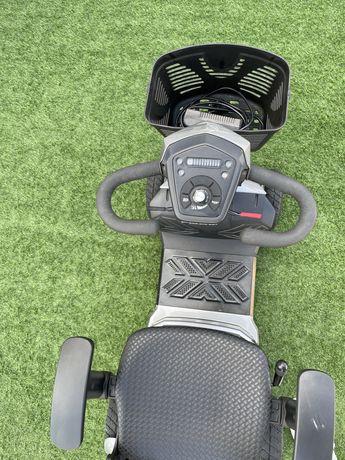 Scooter eletrica com carregador