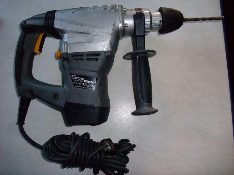 Młotowiertarka udarowa Tytan 1500 W/narzędzia
