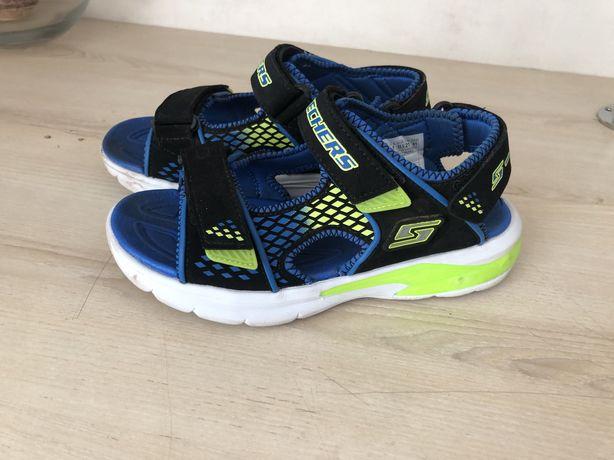 Продам супер светящиеся детские сандали skechers