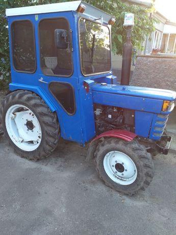 Трактор Ісекі