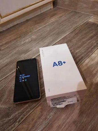 Смартфон Samsung Galaxy A8+ Gold 2018