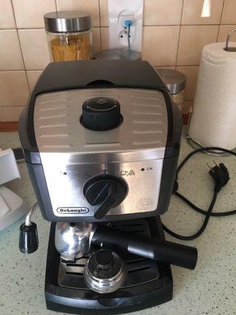 Ekspres kolbowy Delonghi EC157 na kawę mieloną