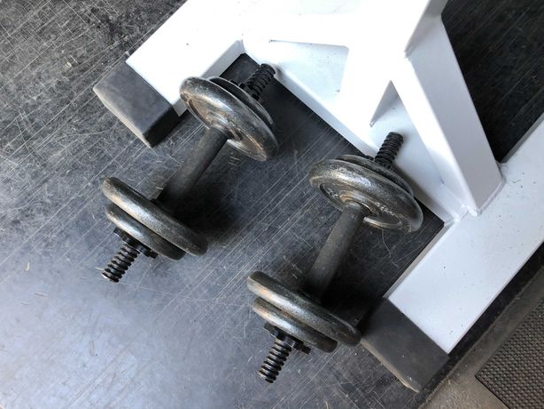 Hantle żeliwne regulowane 2 x 9kg