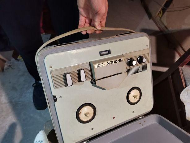 Бобинный магнитофон Брянск 301