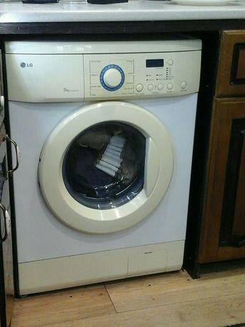 Продам пральну машину lg, на 5 кг