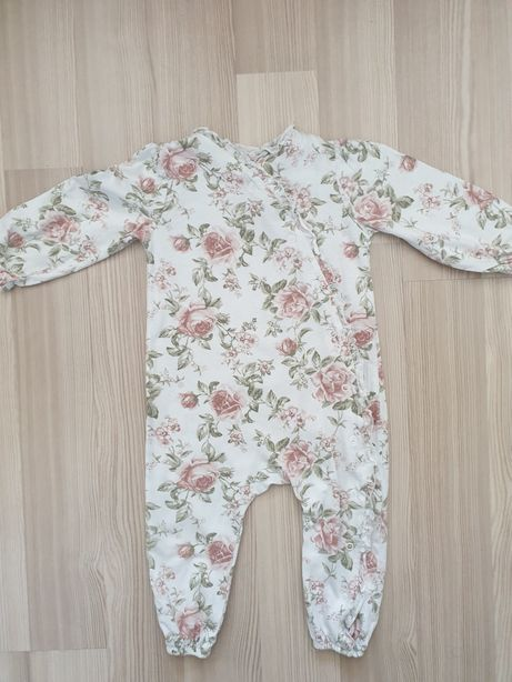 Pajacyk piżamka newbie 80
