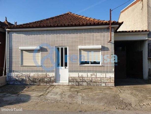 Moradia T3 ampla em Samel, Vilarinho do Bairro, Aveiro, Excelentes con