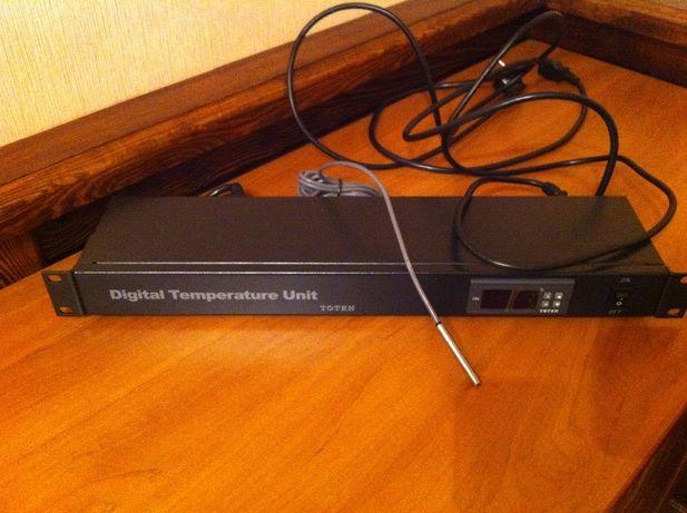 Hyperline TMPC-230V-RAL9004 Микропроцессорная контрольная панель, цвет