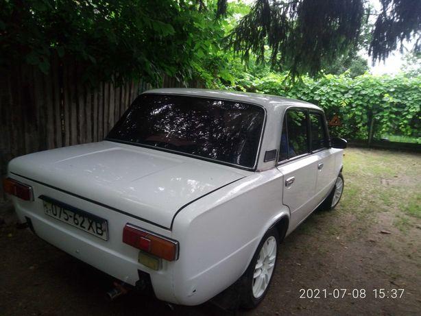 Идеал-ВАЗ-21011.  возможен ОБМЕН на форд эскорт.
