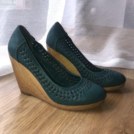 koturny, buty na koturnie turkusowe CCC