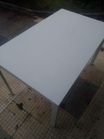 Mesa de café + 4 cadeiras