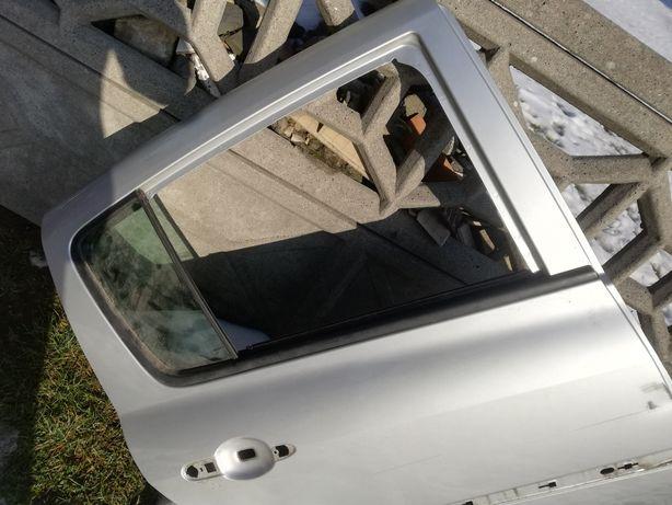 Drzwi Clio III TED69 prawy tył 5 drzwi