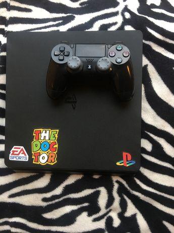 PlayStation 4 slim + 6 gier