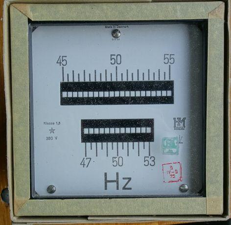 Częstościomierz tablicowy - miernik magnetoelektryczny