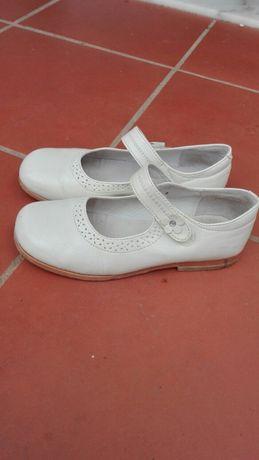 Sapatos menina n. 31