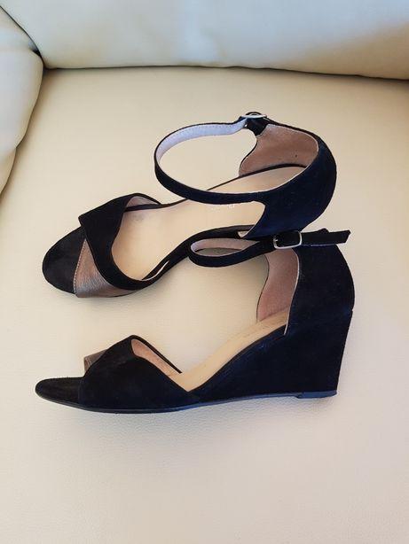 Czarne sandały,skóra zamszowa ,koturn,rozm 38