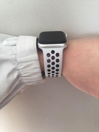 Sport band Apple Watch Series 4