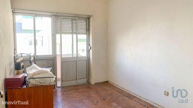 Apartamento - 60 m² - T2