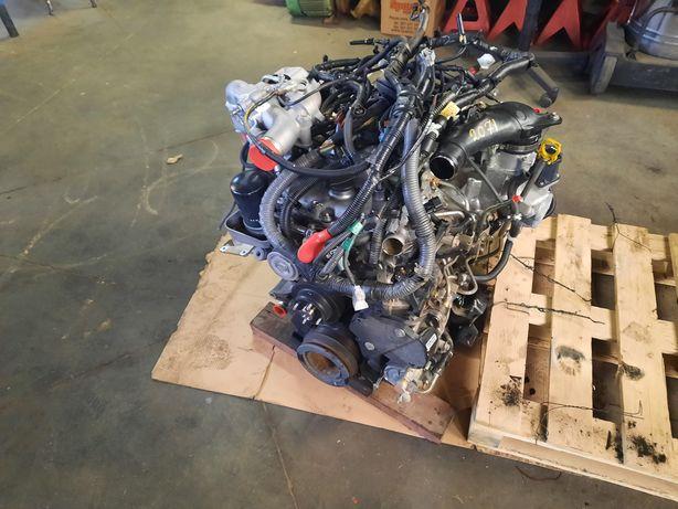 Vendo motor izuzu Dmax bloco partido.