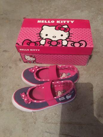Детские кеды, тапочки, мокасины, туфли