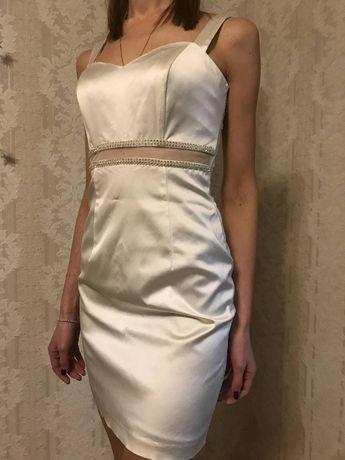 Продам белое атласное платье