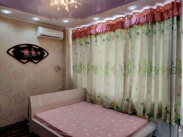 Кухня-столовая и три спальни. 780$ за м2. Александровский пр. Центр