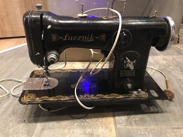Stara maszyna Łucznik