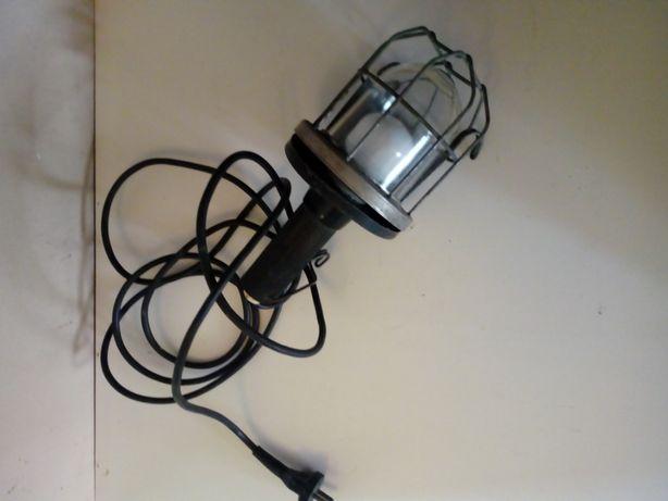 lampa przemyslowa z metalowa obudowa z prl
