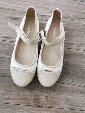 Balerinki dla dziewczynki plus sandały gratis