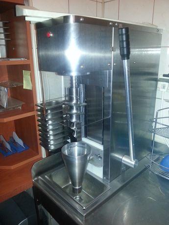 Maszyna do lodów kręconych typu Swirl Yogo