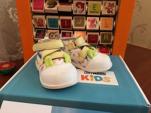 Ортопедическая обувь для первых шагов!