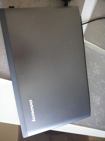 Laptop Lenovo v570 procesor i5