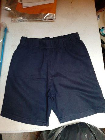 Spodnie krótkie  chłopięce wysyłka r.140
