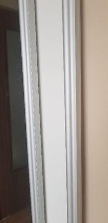 drzwi rozsuwane do szafy z lustami
