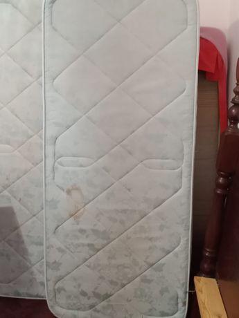 Colchões indiciduais (2) + colchão casal
