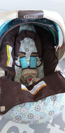 Fotelik dla niemowlaka z bazą
