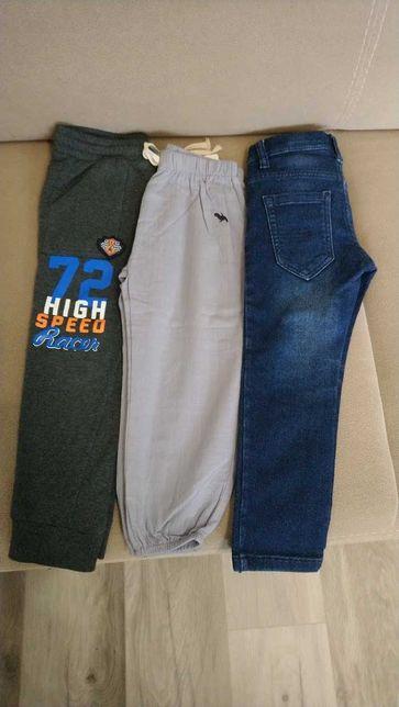 Spodnie chłopięce rozm. 104 dresowe jeansy lniane