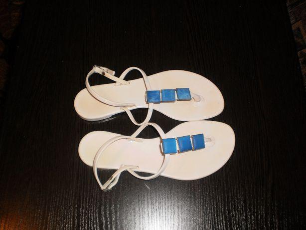 Белые силиконовые босоножки на девочку