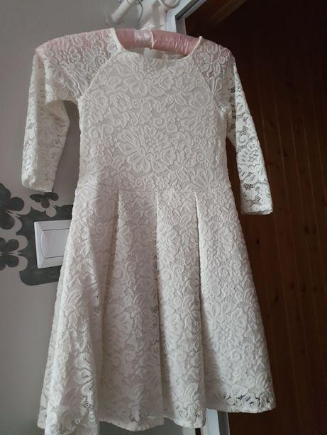 Sprzedam sukienkę rozm 140