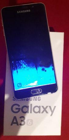 telefon samsung galaxy A3 uszkodzony wylany wyświetlacz