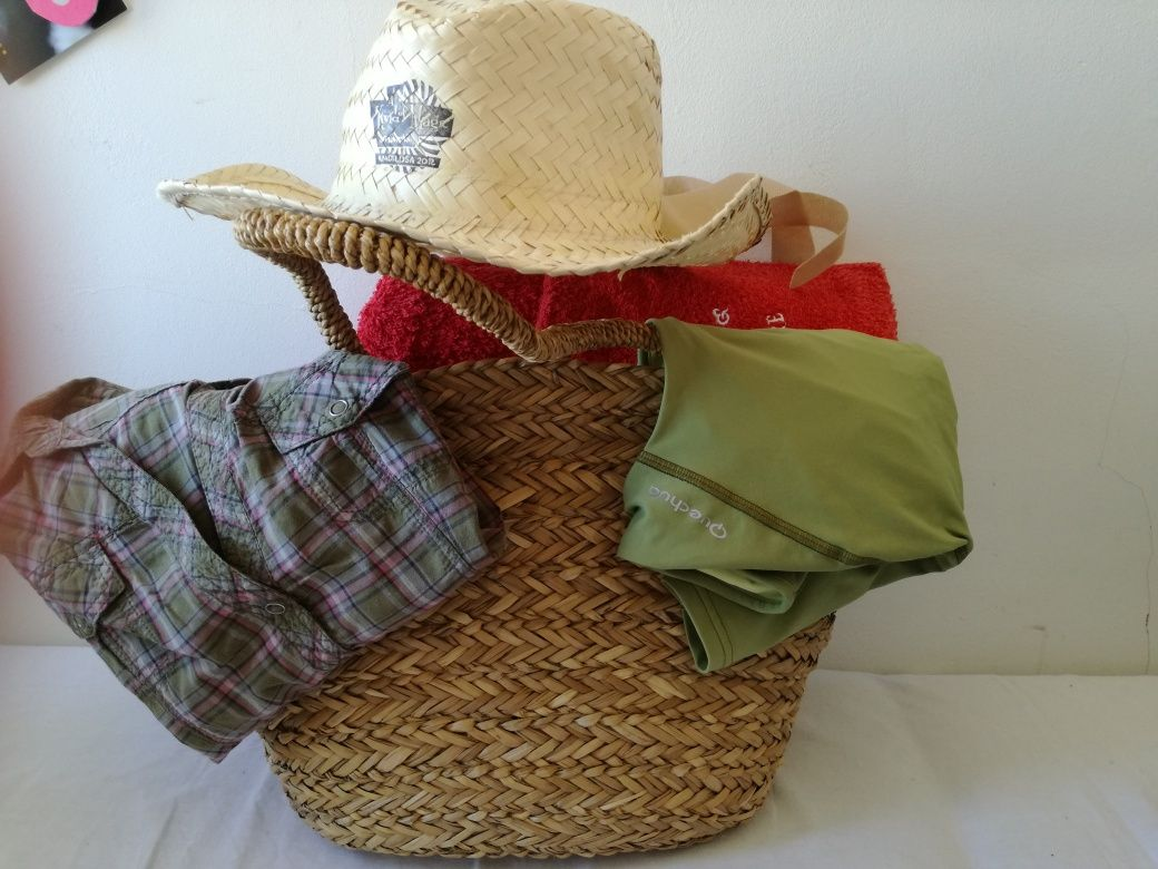 Conjunto cesta verga+chapéu+toalha de praia+ camiseiro manga curta+que