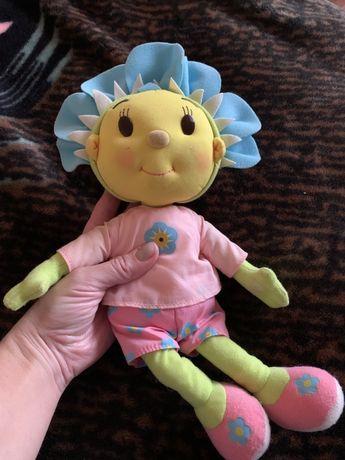 Интерактивная кукла, поет песню