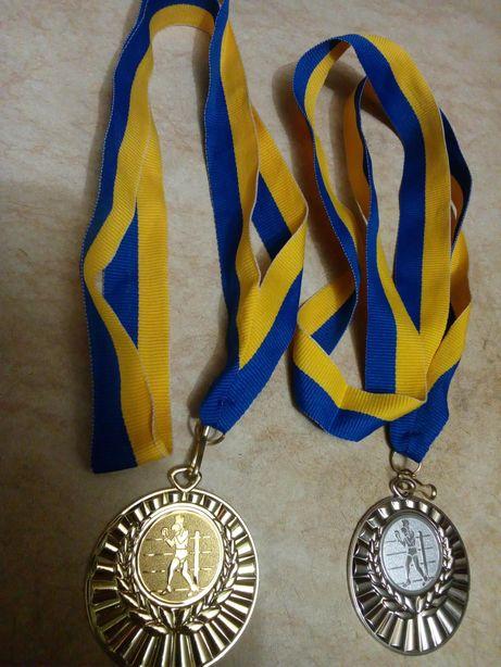 Нагрудные медали бокс 1-2места с лентами.