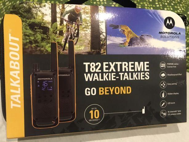Motorola Extreme t82 wodoodporna do 10 km. Słuchawki i etui.