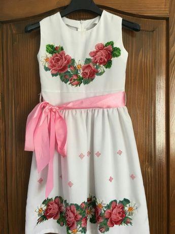 Плаття для дівчинки від 6-10 років. Ручна робота.