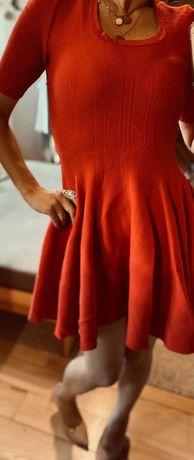 Sukienka rozkloszowana czerwona S