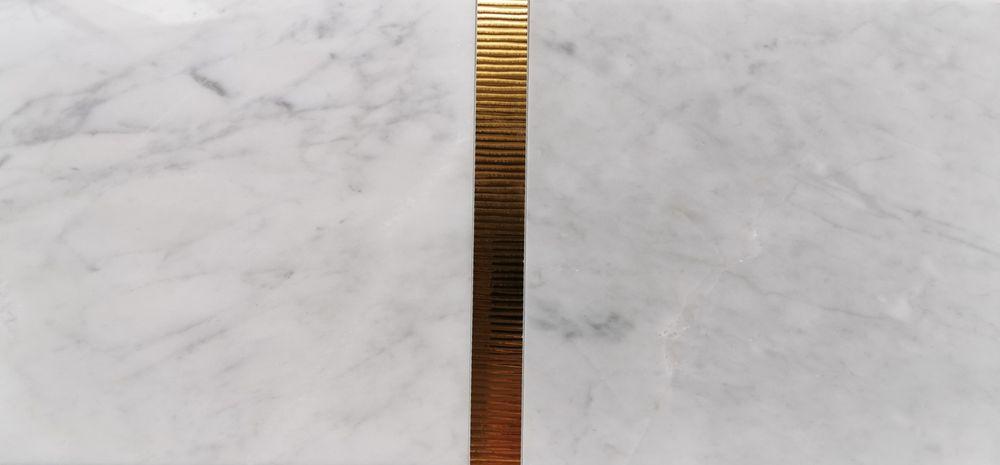 Płytki marmurowe Bianco di Carrara 30.5x30.5x1 oraz 30.5x61x1 Poskwitów - image 1