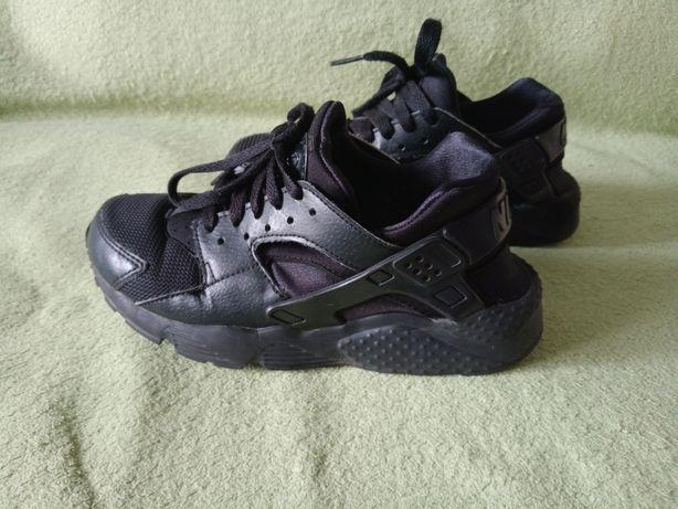 Кросівки Nike 36,5